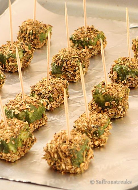 Spice crusted paneer tikka in green chutney