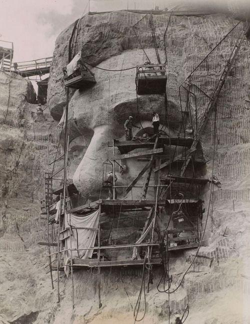 Sculpter le Mont Rushmore , années 30