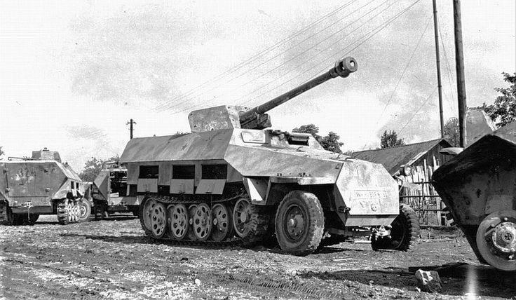 German 50 Mm Anti Tank Gun: WW2 Sd251/22 75mm AT