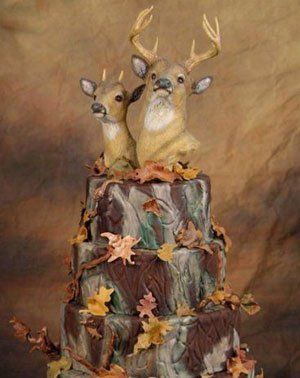 Camouflage Wedding Cake Toppers | ivman's blague | Are There Risks in Marrying a Commoner?