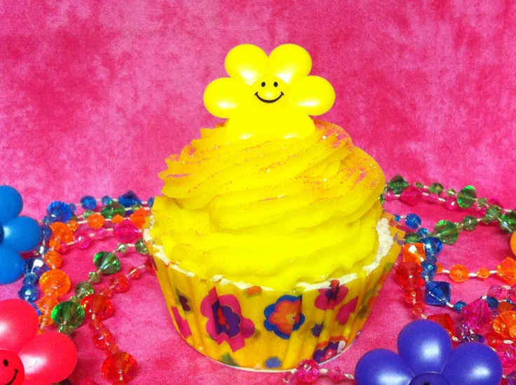 Girly girl -Surprise cupcake bath bomb (surprise inside)  www.etsy.com/shop/SweetBathBakery