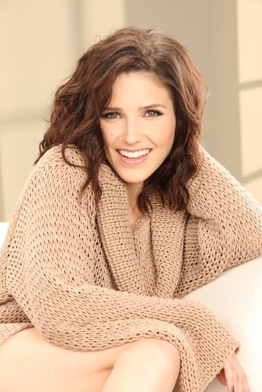 Sophia Bush - is this what my short hair would look like? lol yes please.