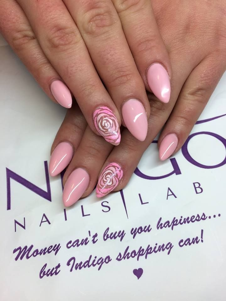 Indigo Nails Lab - Find more Inspiration at www.indigo-nails.com #Nail #Flower #Mani