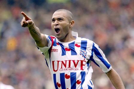 Afonso Alves - Scoorde meer doelpunten voor sc Heerenveen dan dat hij wedstrijden voor de Friezen speelde. Leverde een record transferbedrag op en haalde zelfs het Braziliaans elftal. Na zijn vertrek nooit meer succesvol geweest, maar in het shirt van sc Heerenveen een wereldspeler