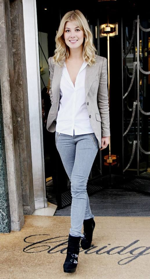 rosamund pike street style | Celebs Fashion on the Streets