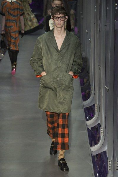 See the complete Gucci Fall 2017 Menswear collection.