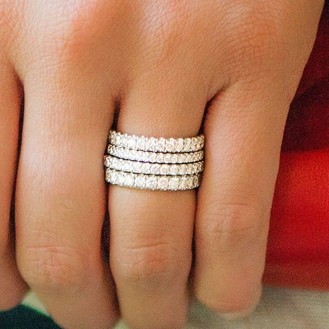 We love these beautiful platinum diamond bands from #LauraPearceLTD!