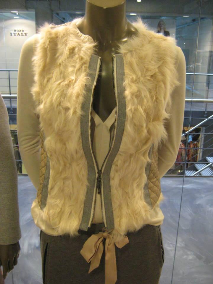 """Fake fur en """"harige varianten"""" blijft trend deze winter!"""