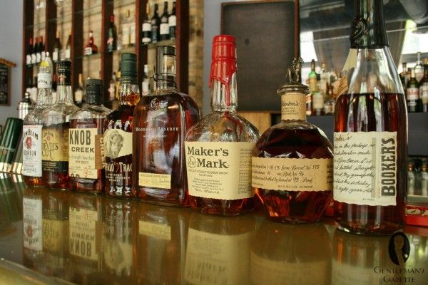 Comprehensive Article about Bourbon Whisky: water, history, rules, tasting, and a few #Cocktail #Recipes