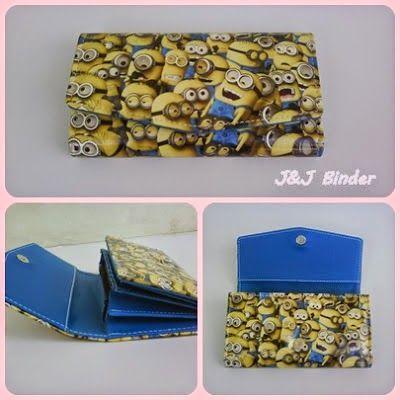 Nama  Produk : Dompet Minion Banyak Harga : 50rb Ukuran   : 20cmx35cm Bahan : Kulit Sintetis Bentuk Dompet : Lipat 3 ,1 slotfoto, 3 slotcard