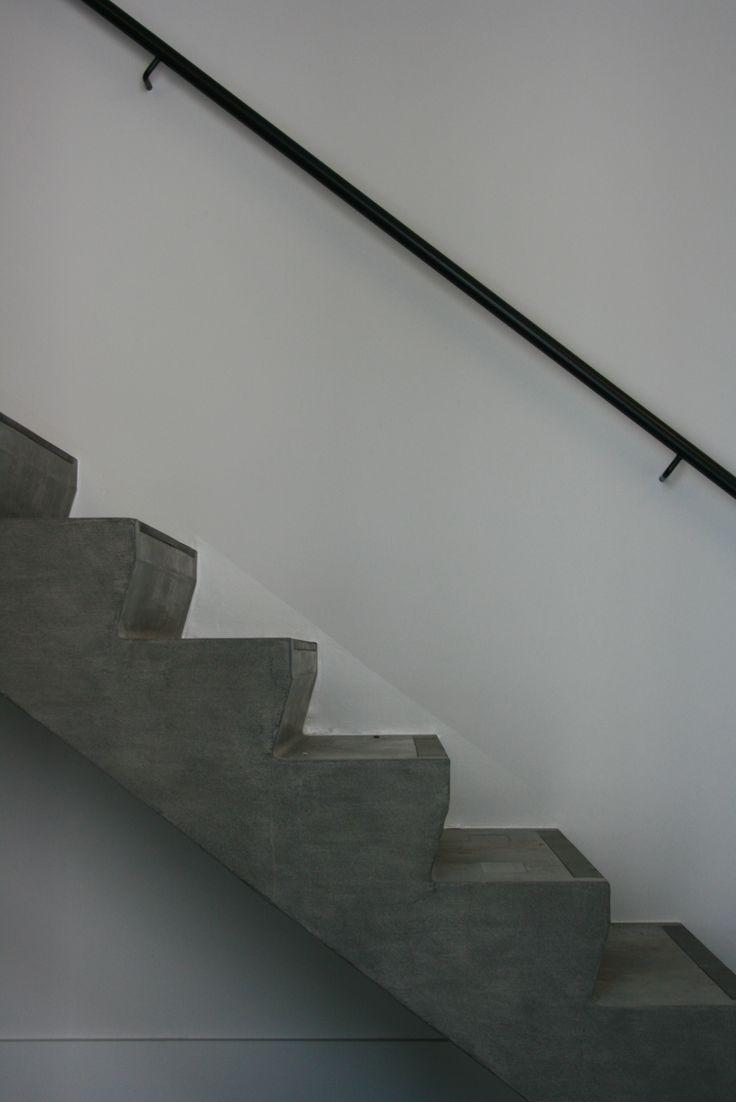 Declerck - Daels, architecten - trap - betontrap - trapleuning - staal - interieur