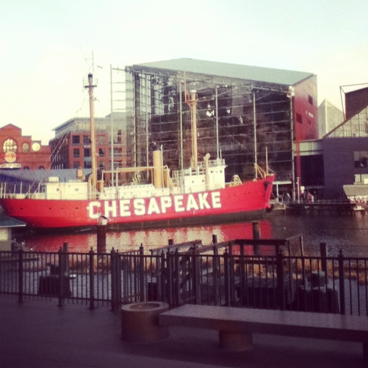 This is the Baltimore Aquarium and the Chesapeake Bay Boat ...