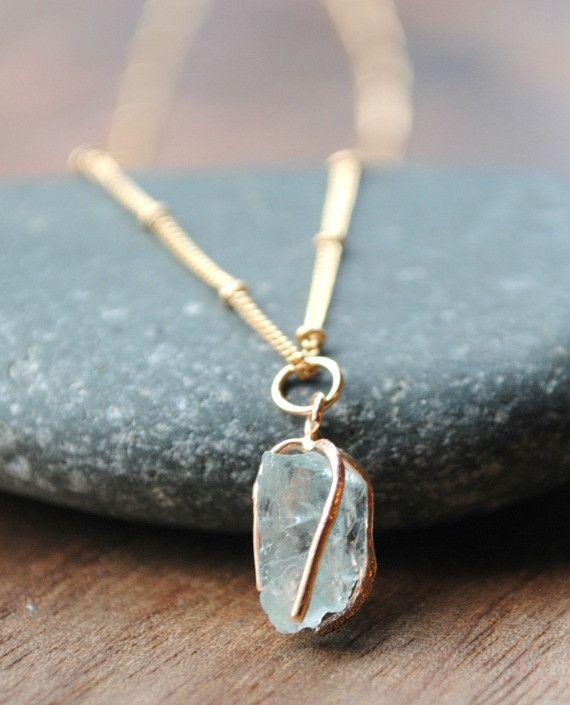 Raw Aquamarine Pendant Necklace - Gold