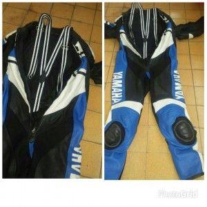 colocar suspensorio em macacão de motociclista   - macacão de motociclista com suspensorio     - amarrar jaqueta de motociclista na cintura