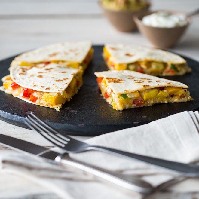 Bunte Gemüse-Quesadillas mit Guacamole