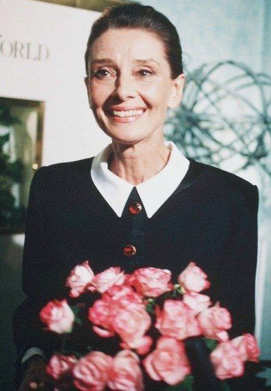 Audrey Hepburn / Just look at that smile