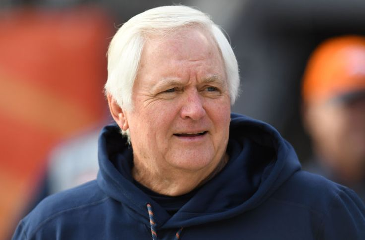 Jan 1, 2017; Denver, CO, USA; Denver Broncos defensive coordinator Wade Phillips before the game against the Oakland Raiders at Sports Authority Field. Mandatory Credit: Ron Chenoy-USA TODAY Sports