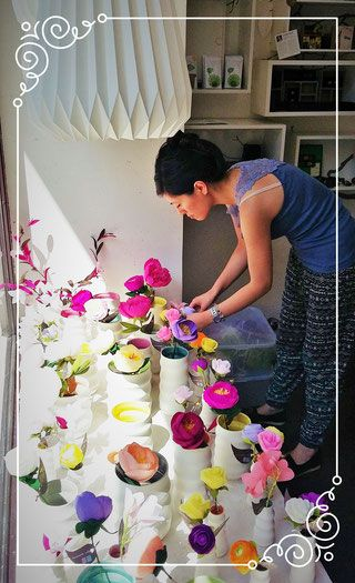 SHOP unique crepe paper flowers in Frankfurt as a gift or for your home decor − handmade by Ameli's Lovely Creations