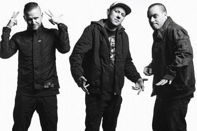 For a taste of something a little different, Aussie Hip-Hop act Hilltop Hoods have announced they'll be touring to Australia in 2016 with a 52 piece symphony orchestra. In what will be their biggest Australian tour to date...#HilltopHoods #Aussiemusic #TheRestrungTour #hiphopmusic #AussieHipHop #livemusicPerth #TowardMusic