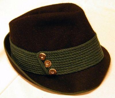 Courtesy of The Royal Armoury. //  Damhatt av jägarmodell, Dschulnigg, Salzburg. 1900-tal // A hunting hat for women, Dschulnigg, Salzburg. 1900.