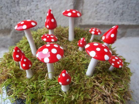 Red Fairy champignon anneau assorti de tailles et formes 13 pièces Valentines nain de jardin boisé elfe garçon fille terrarium cotillons