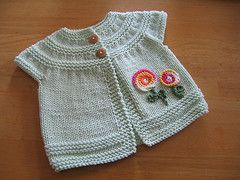 Ravelry: VickyPortugal's Rebecca's Spring Cardi baby cardigan free knitting pattern