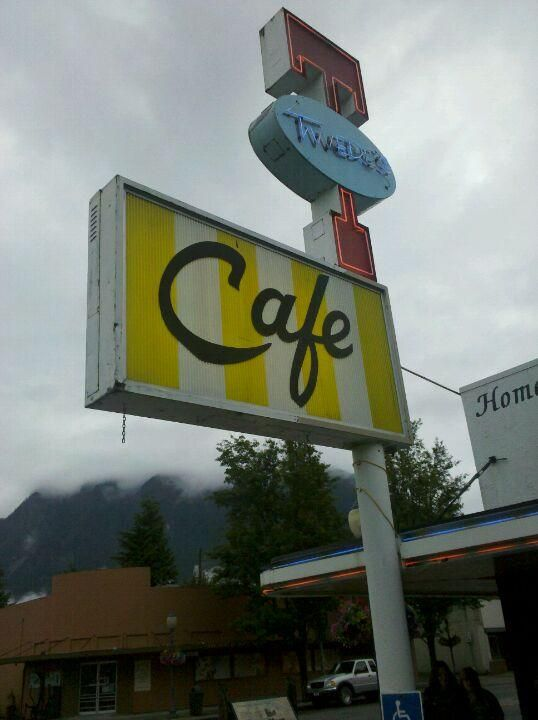 """List and map of """"Twin Peaks"""" filming locations"""