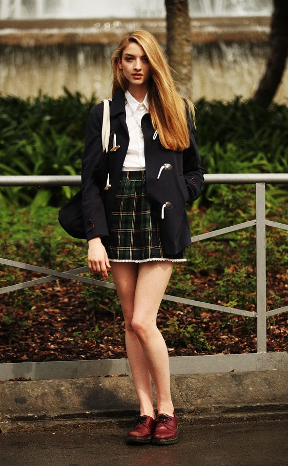 street style in barcelona street style pinterest street styles street and schoolgirl. Black Bedroom Furniture Sets. Home Design Ideas
