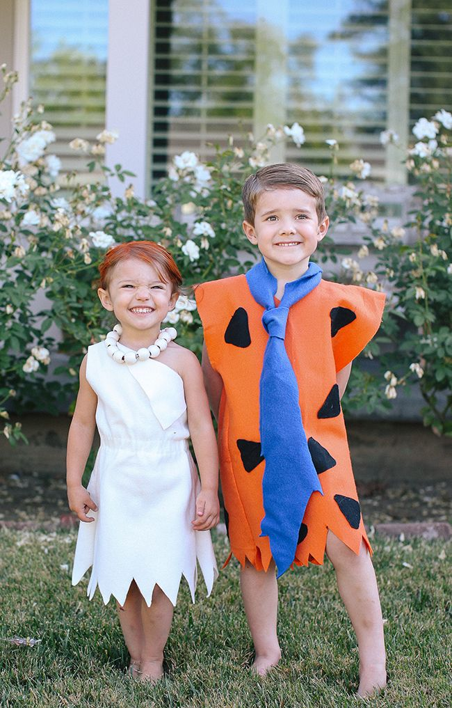 Super easy and cute... this is the best DIY Flintstone costume for your cute little ones!