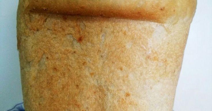バターや砂糖を入れず体に優しい玄米食パンです。 トーストすると芳ばしくて外はバリッと中はモチモチで最高です。