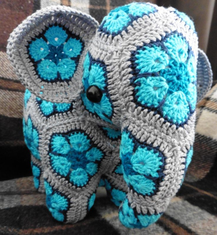 Crochet African Flower Pattern Free : 25+ best ideas about Crochet african flowers on Pinterest ...