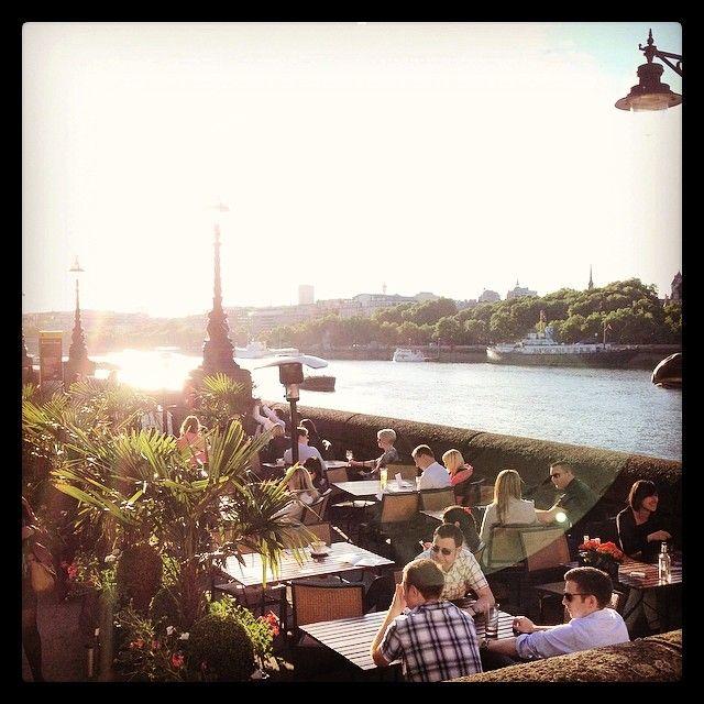 #London #bankholiday #weekend #Thames #pub #beergarden aaahh Get the #Kooky London #App  https://itunes.apple.com/gb/app/kooky-london/id625209296?mt=8 #ig_London #igLondon #London_only #UK #England #English #GreatBritain #British #iPhone #quirky #odd #weird #photoftheday #photography #picoftheday #igerslondon #londonpop #lovelondon #timeoutlondon #instalondon #londonslovinit #mylondon #Padgram