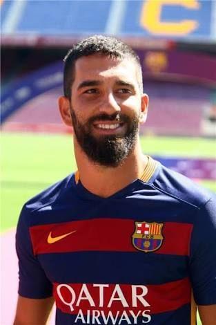 Las barbas más famosas  Arda Turan presume de barba tupida😉