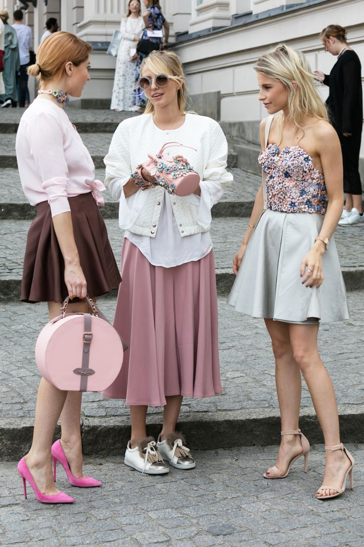 chic feminine street style outfits with blush pink and light baby blue for fashion week