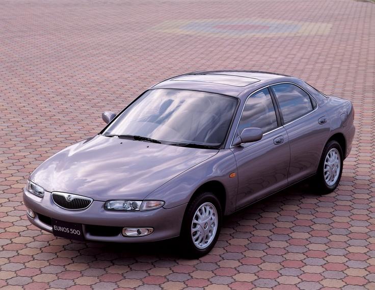 """1992年 ユーノス500 / Eunos500  「響きのデザイン」期を代表する車のひとつ。""""ラスティングバリュー(Lasting Value)=いつまでも色あせない価値""""をテーマに「上質」と「洗練」を追及して開発された。"""