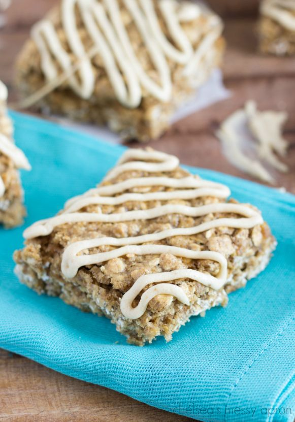 These soft-baked oatmeal squares taste just like the Nature Valley version of cinnamon brown sugar soft-baked oatmeal squares. They are soft with a chewy texture and have a molasses flavored glaze. These bars are made with whole grains and packed with good ingredients.