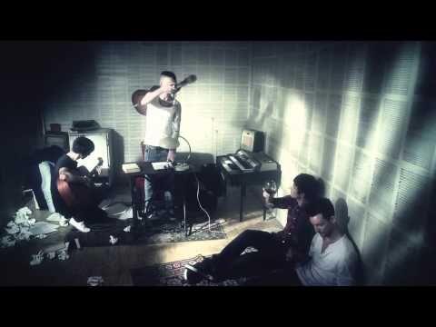 Anti Fitness Club - Más ölel át (OFFICIAL MUSIC VIDEO) - YouTube