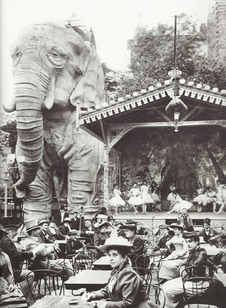 Gardens of the Moulin Rouge, circa 1900.