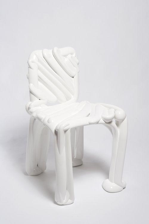 Cadira Square Back Chair 2005. Front Design (Sofia Lagerkvist, Charlotte von der Lancken, Anna Lindgren i Katja Sävström). Material en pols termoplàstic. Col·lecció d'Arts Decoratives del Museu del Disseny de Barcelona