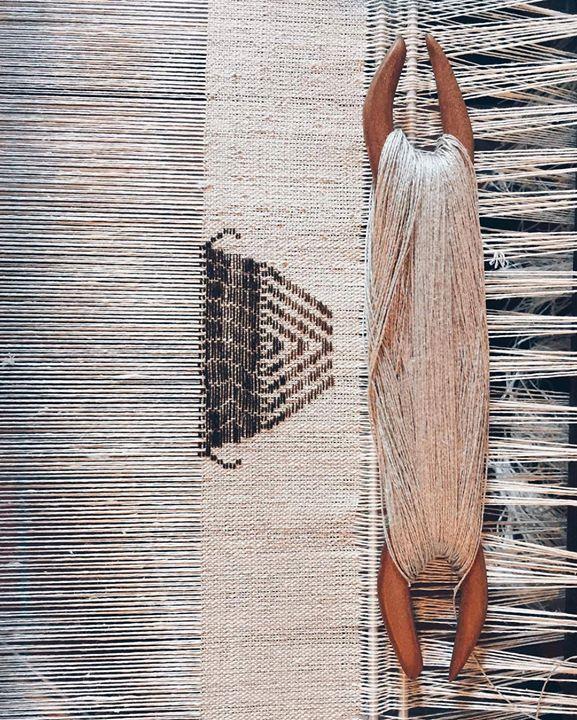 by http://ift.tt/1OJSkeg - Sardegna turismo by italylandscape.com #traveloffers #holiday   #creatoadartesardegna #iostoconchiaravigo Per sapere chi e con cosa sta tessendo a questo antico telaio dovrete tornare indietro di due foto... Niente di ciò che realizza #chiaravigo viene venduto. Il bisso o filo dell'acqua come lei lo chiama non si compra e non si vende. Il passaggio e le consegne delle leggi della Maestria avvengono infatti attraverso un giuramento che ne vieta lutilizzo per…