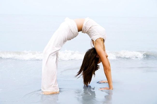 Google Image Result for http://www.theworldspa.com/images/stories/articles/world_spa_yoga_01.jpg
