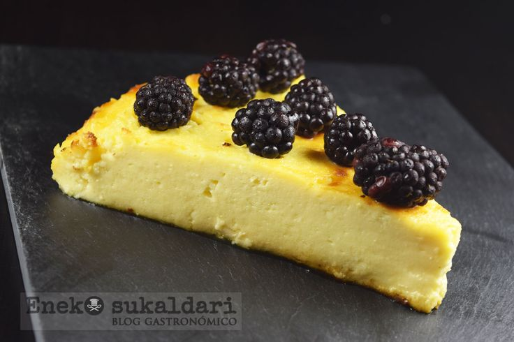 Receta explicada paso a paso para preparar una deliciosa tarta de queso muy sencilla de preparar al estilo de La Viña de San Sebastian.