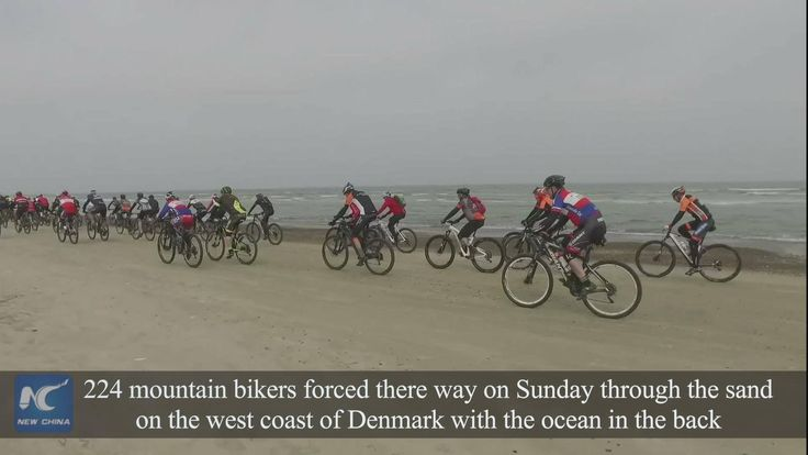The Easter MTB Race took place on Sunday on a mountainbike route that was elected by Danish government as the best in the small Scandinavian country - the Sletten Beach in Denmark's North Jutland peninsula. 224 mountain bikers forced there way through the sand on the west coast of Denmark with the ocean in the back.
