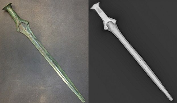 Photo and digital X-ray image of a sword from the early Branze Age, c. 1600 BC.  http://forcetechnology.com/en/service-sector/cases/digital-xray-examination-of-swords-from-the-early-bronze-age