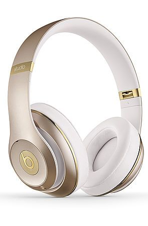 Beats By Dre Headphones Studio 2.0 Champagne and White http://www.dhgate.com/product/2014-new-arrival-wired-newbeats-studi0-dj/157034561.html