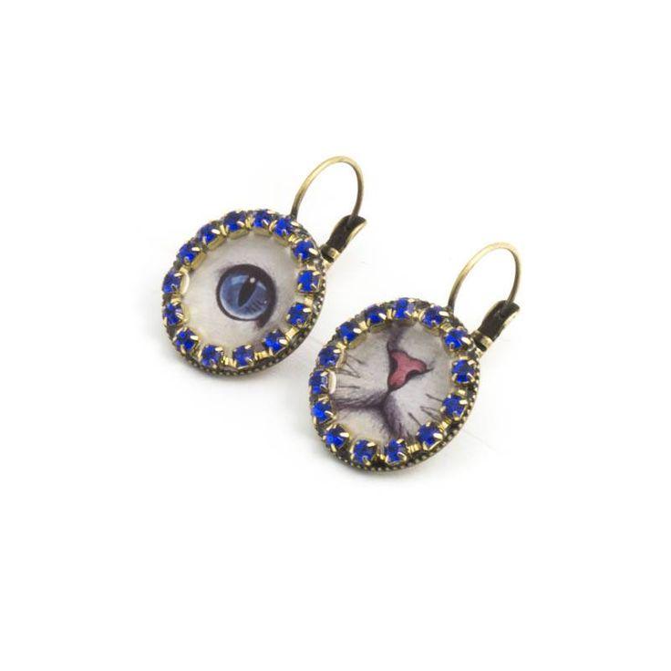 Iris Blauwe oorbellen met poezenoogje en snuitje en kobalt Swarovski Elements kristallen