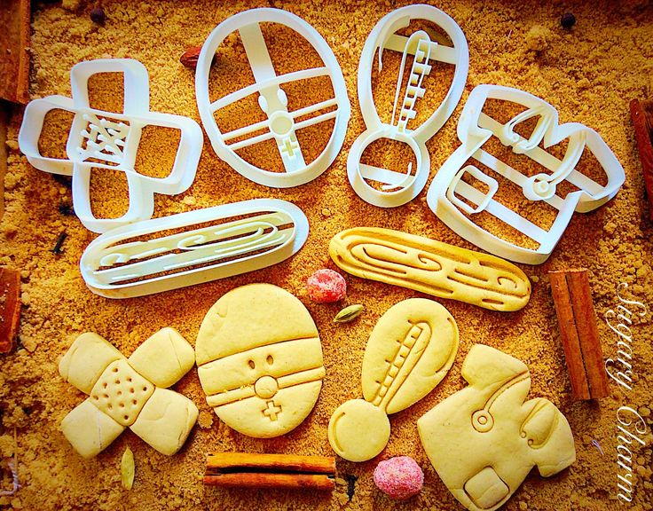 Doctor Set (5 pieces) cookie cutters. Our Doctor set (5 piece) cookie cutters comes with a tongue depressor, uniform top, thermometer, bandage and the doctor himself. Medical cookies make a fun and thoughtful Get Well gift. Create a cookie bouquet by adding lollipop sticks or wooden skewers when baking your doctor cookies and drop it off at your doctor's office. A great way to celebrate National Doctor's Day on March 30!.