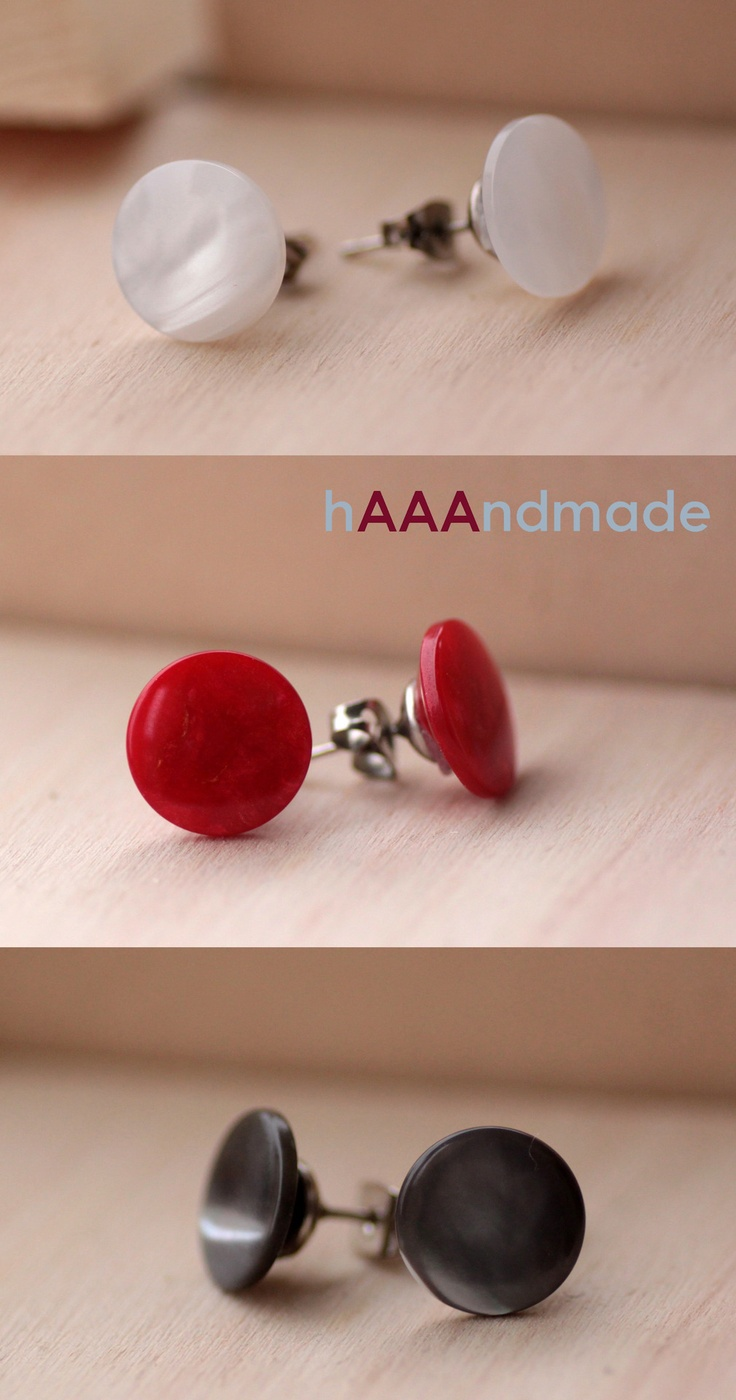Novità da #hAAAndmade! #Orecchini creati per voi con #bottoni in stile vintage o moderno! News from hAAAndmade! #Earrings made up with vintage or modern style #buttons are ready for you!