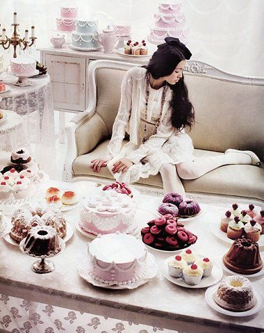 poıuy: Desserts, Sweet, Cakes, Alice In Wonderland, Tea Parties, Afternoon Teas, Teas Parties, Vogue Korea, Heavens