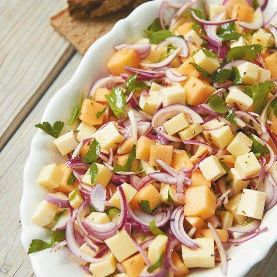 ESSEN & TRINKEN - Käse-Melonen-Salat Rezept